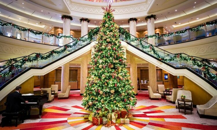 Best Christmas Cruises to Take During the Holidays
